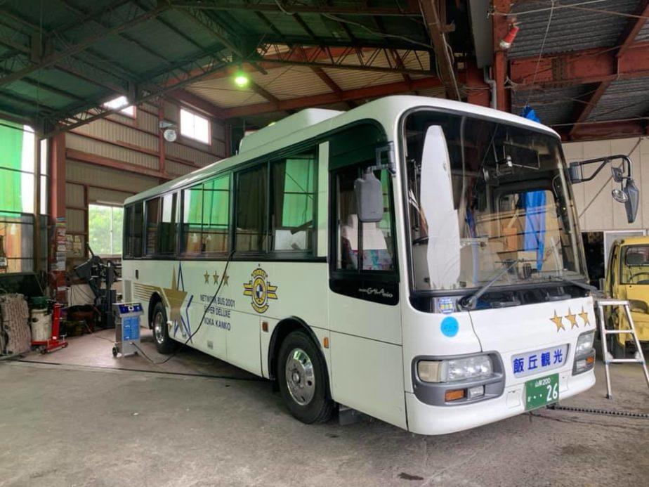 中型バスの車内をオゾン除菌