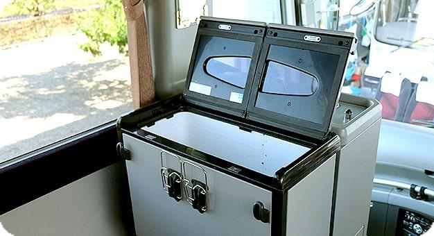 ガーラ60人乗り冷蔵庫