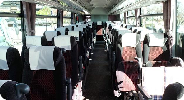 ガーラリフト付き観光バス54人乗り内装